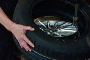 Aufziehen von Reifen auf Felge